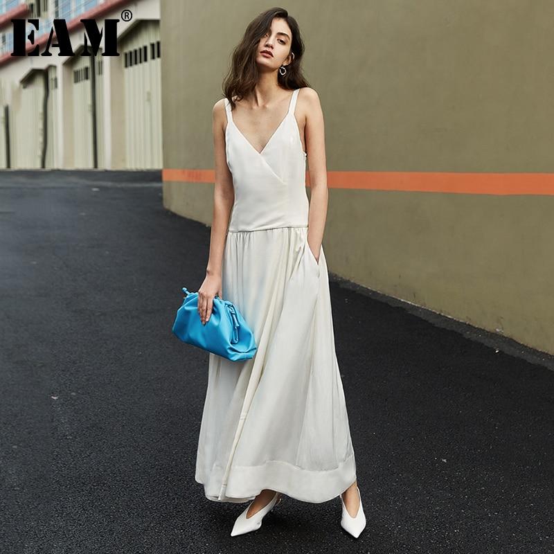 [EAM] Women White Vent Split Long Spaghetti Strap Dress New V-neck Sleeveless Loose Fit Fashion Tide Spring Summer 2020 1U714