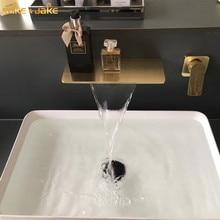 Escova de ouro parede torneira da bacia fosco ouro cachoeira parede misturadora água do banheiro quente e fria cachoeira estilo ouro torneira