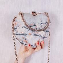 Angelatracy 2019 New Arrival Heart Shape 3D Floral Embroidery Lock Metal Frame Women Girl Day Clutches Evening Bag Crossbody Bag цены