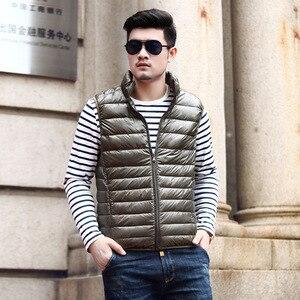 Image 4 - 2019 nouveau hiver blanc duvet doie gilet pour hommes automne chaud décontracté sans manches veste mâle lumière noir col montant manteau hommes WFY09