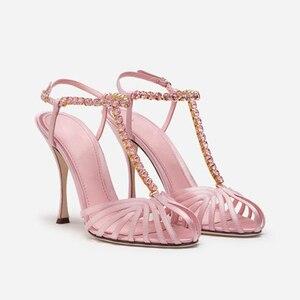 Черные сандалии с ремешками туфли на высоком каблуке с Т-образным ремешком и украшением в виде кристаллов женские летние дизайнерские моде...