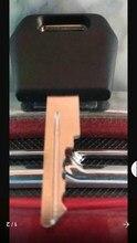 Bobcat heveay 장비 D250 케이스 IH 트랙터 스타터 점화 키 1964831C2 D250 용 케이스 용 50PC 키