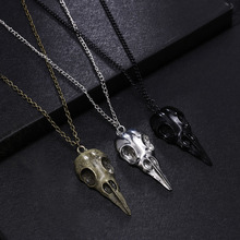 Hot Selling Fashion Novelty Stereo Crow Head Skull Pendant Necklace Chains Christmas Present