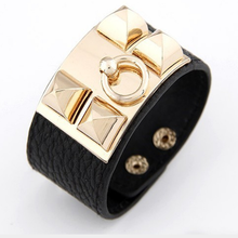 Exaggerated Rivet Buckle Bracelet 2019 New Casual Gothic Punk Pu Leather Bracelets Bangles for Women Charm Wristband Gift