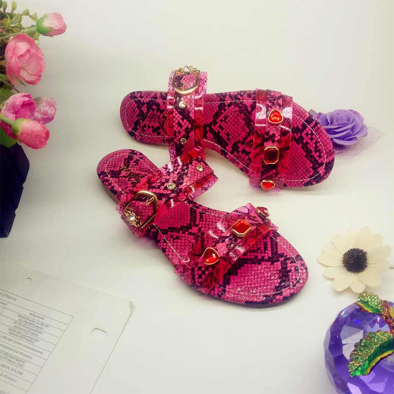 Nuovo Pantofole Delle Donne di Estate Delle Signore di Cristallo Del Serpente Delle Donne Causale All'aperto di Vibrazione di Cadute di Scarpe da Spiaggia Femminile Della Donna di Modo Traslucido