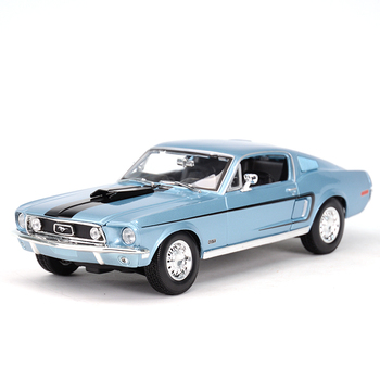 Maisto 1:18 1968 Ford Mustang GT Cobra Jet Sports Car Static Simulation Diecast Alloy Model Car maisto 1 18 2015 ford mustang gt diecast model sports racing car vehicle black new in box