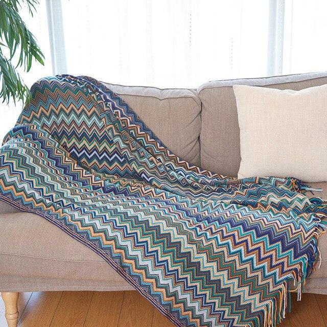 Couverture à chevrons tricotée de style bohémien Plaids et Couvertures Cocooning.net
