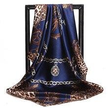 الأوشحة النساء طباعة تويل الشعر الرقبة 90 سنتيمتر وشاح حريري مربع مكتب السيدات شال باندانا مسلم الحجاب منديل foulard الخمار