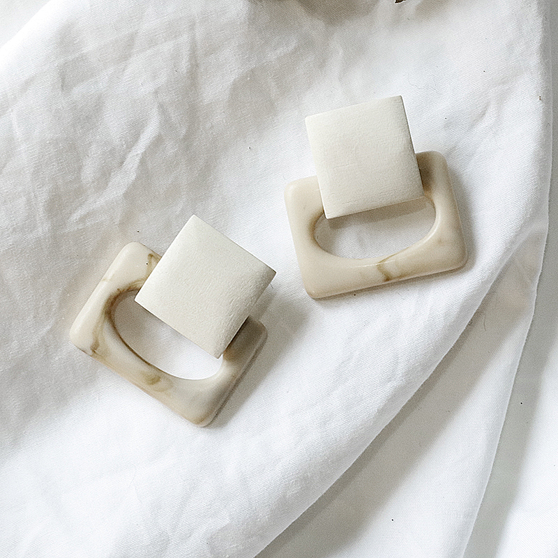 AENSOA New Vintage Resin Wood Drop Earrings for Women Square Elegant Dangle Earrings Fashion Jewelry 2020 wholesale