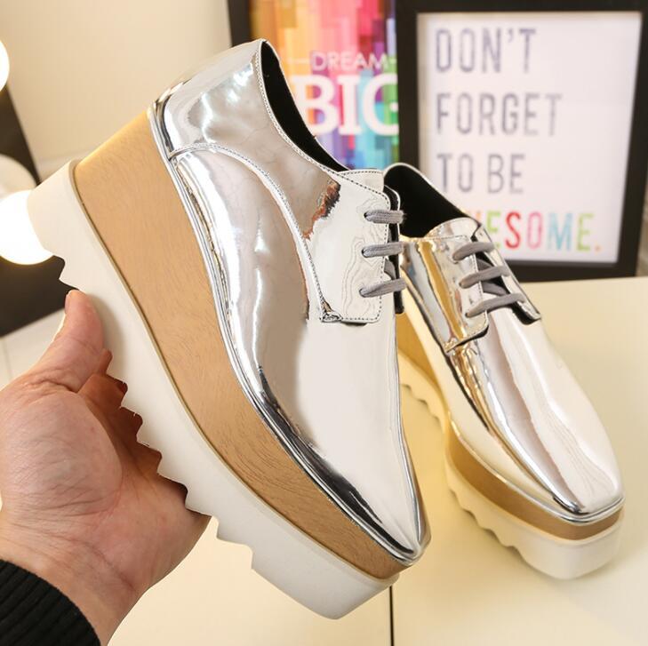 Новая модная белая женская повседневная обувь на плоской платформе обувь на высокой танкетке со шнуровкой и толстой подошвой Женские однот