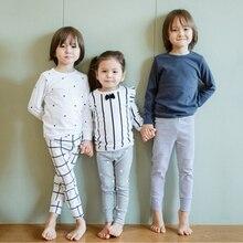 Одежда для маленьких мальчиков и девочек; хлопковые пижамы с длинными рукавами и рисунком; комплекты одежды для сна для новорожденных и малышей; MB522