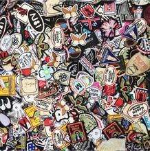 100 pçs/lote mistura aleatória ferro e costurar-on emblema remendos para roupas de moda decoração vestuário tecido mochila costura apliques