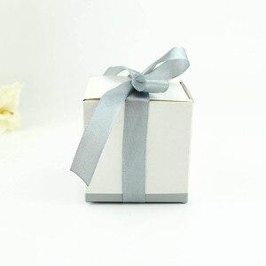 """Image 4 - 100 pièces boîtes à bonbons de mariage """"rêves dhiver"""" blanc Laser coupe flocon de neige faveurs de mariage cadeaux"""