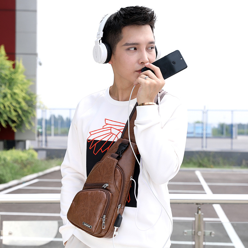 2019 New Style Simple Korean-style Retro Poly Urethane Leather Multi-functional Men Chest Pack Casual USB Shoulder Bag