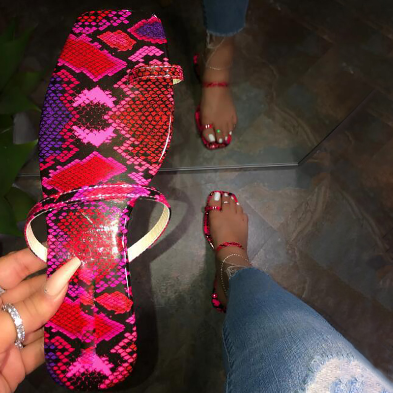 2020 New summer women shoes Beautiful Snake pattern female slippers women Flat luxury shoes sexy walking shoes zapatos de mujer