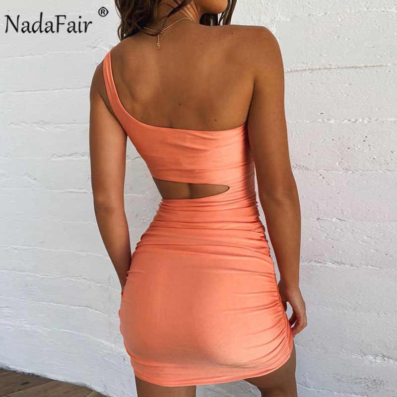 Nadafair kadın Bodycon yaz elbiseler kulübü Hollow Out Draped Backless turuncu beyaz siyah bandaj Mini parti seksi elbise kadın