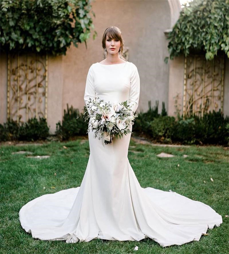 2019 Western Country  Mermaid Wedding Dresses Scoop Long Sleeves Buttons Back Bohemian Beach Bridal Gowns Sweep Train Cheap
