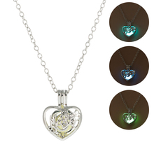 Luminous Stone Heart Shape Pendant Necklace Hollow Glow In The Dark Classic Necklace Fashion Silver Jewelry for Women Halloween silver link luminous stone pendant necklace long chain moon pendant glow in dark hollow women necklace pendants jewelry
