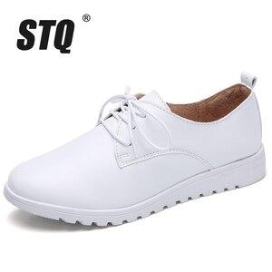 Image 2 - STQ zapatillas de deporte informales de Invierno para mujer, zapatos de cuña de cuero genuino con cordones, planos de Ballet, 9935