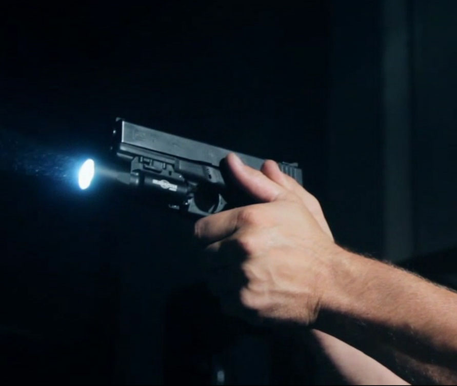 arma luz pistola lanterna airsoft com picatinny 05