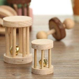 """Image 4 - Милые натуральные деревянные игрушки кролики сосновые гантели деревянная игрушка """"шар"""" роликовые игрушки Жвачки для морских свинок крысы маленькие домашние моляры"""