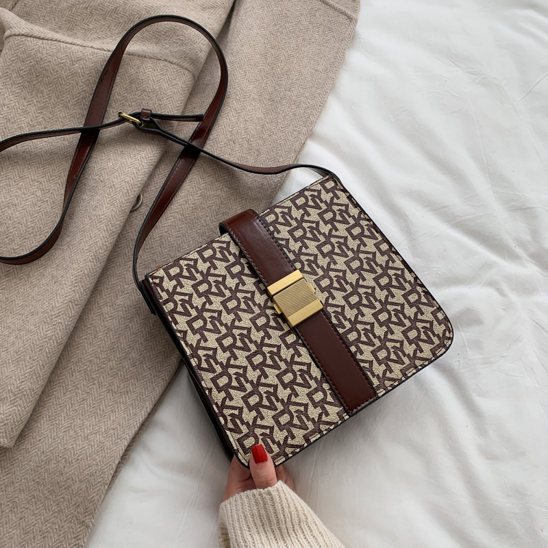 Luis Vuiton  Female New Trendy Letters Foreign Style Large Capacity Shoulder Bags Crossbody Bucket Bags  For Women 2020 Single