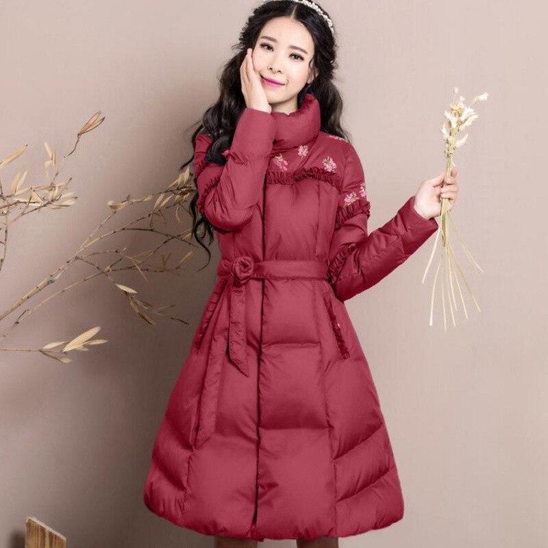 In de winter 2017 nieuwe vrouwen temperament cultiveren moraal geborduurde riem lange donsjack light string - 3