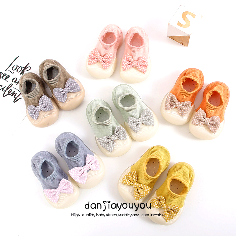 Детские носки с резиновая подошва носки из хлопка с нескользящей подошвой; С бантом, носки для маленьких девочек милые, мягкие зимние ботинк...