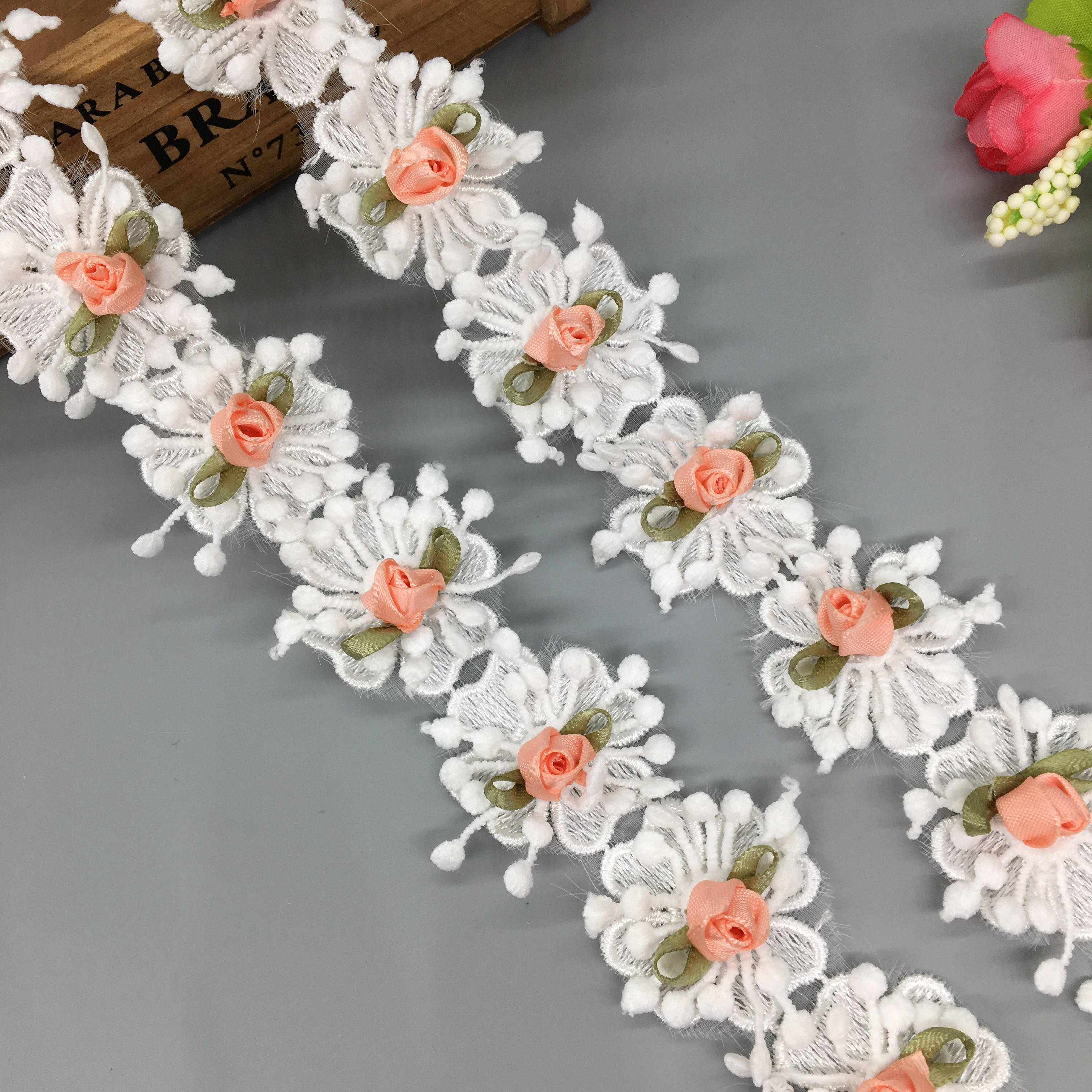 3 yards Daisy Flower Embroidered Lace Fabric Sewing Trims Costume Decoration