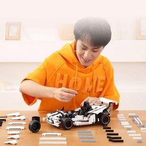 Image 5 - Xiaomi MITU akıllı yapı taşları yol yarış arabası çocuk oyuncak elektrikli Bluetooth 5.0 APP akıllı uzaktan kumanda 900 + parçaları