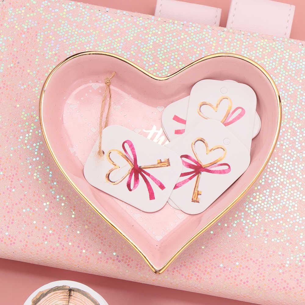 50 Uds. Etiquetas colgantes de papel Kraft Navidad Día de San Valentín etiquetas para envolver regalos amor corazón patrón Navidad decoración Festival productos