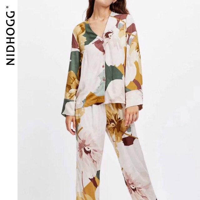 New Satin Floral Printing Pajama Set Fashion Long Sleeve Pijamas Women V Neck Loungewear Set 2 Piece Home Clothes Sleepwear 2020