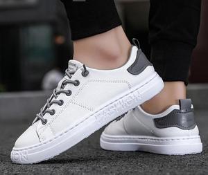 Image 5 - tenis masculino Men Sports shoes 2020 fashion board shoes men trend breathable white sneakers basket zapatillas blancas hombre