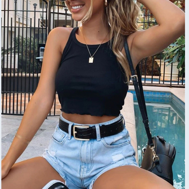 New sexy sleeveless crop top casual solid color tight-fitting tops women nine-point top halter vest camisole short T-shirt 2021 1