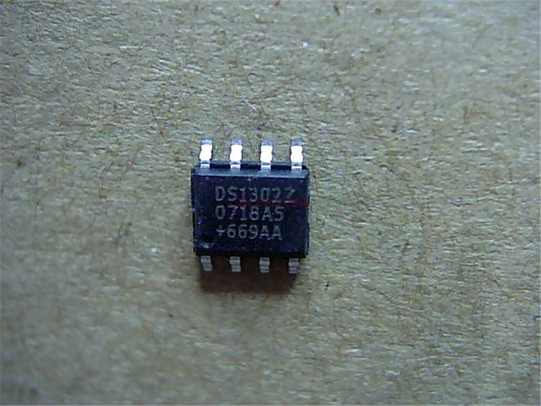 10pcs/lot New DS1302 <font><b>DS1302Z</b></font> DS1302ZN SOP8 Trickle Charge Timekeeping Chip In Stock image
