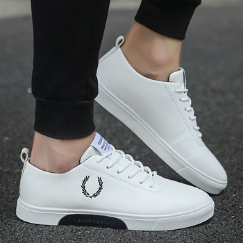 2019 new comfortable classic skateboard shoes wear high-top men's shoes small white shoes breathable sneakers men image