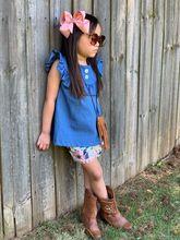 Letnie dziewczynek ubrania dla dzieci spodenki jeansowe spodenki pom-pom zakurzony kwiatowy wzór kwiatowy stroje ruffles boutique mecz łuk cheap girlymax Na co dzień O-neck Zestawy Swetry DKTZ-202572 COTTON Dziewczyny Krótki REGULAR Vest Cartoon Baby Sets
