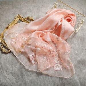 Image 5 - גבוהה באיכות נשים משי צמר פרחוני רקמת צעיף פשמינה חיג אב צעיפי כורכת יוקרה מוצק קשמיר חורף צעיפים