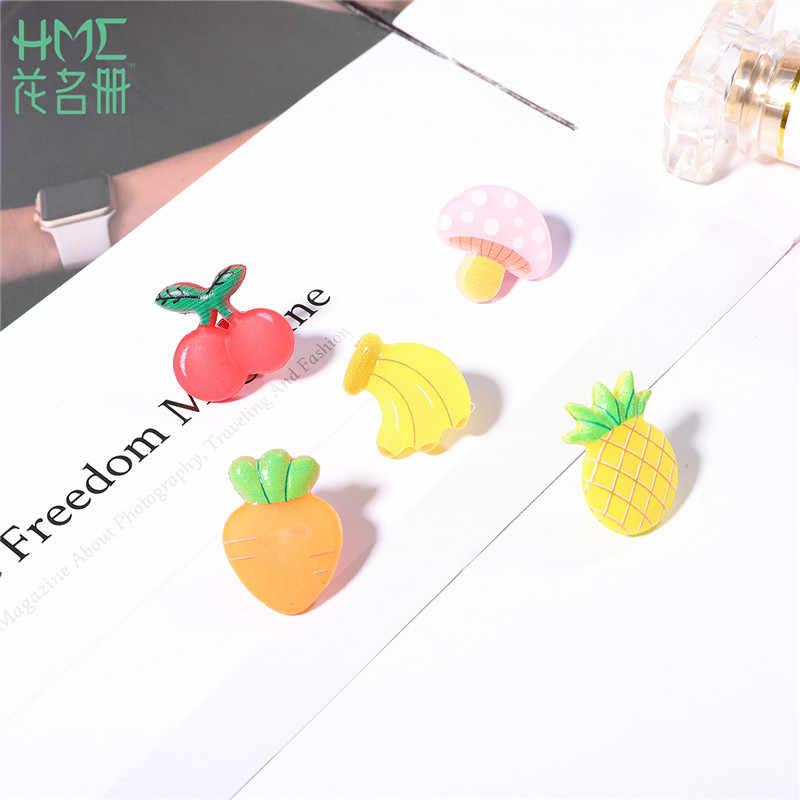 Koreański 1-3 szt. Śliczna mała broszka kreskówka uczeń modny guzik szpilki kwiatem owocowym odznaka stałe ubrania akcesoria do butów dla dziewczynek