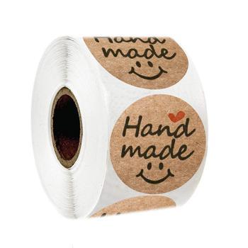 500 sztuk okrągłe naturalne Kraft Hand Made naklejki pieczęć etykiety czerwone serce uśmiech naklejki na opakowanie na ciasto etykiety naklejki papiernicze tanie i dobre opinie Handmade smile 3 lata Round 1inch 2 5cm 500PCS A ROLL Kraft paper