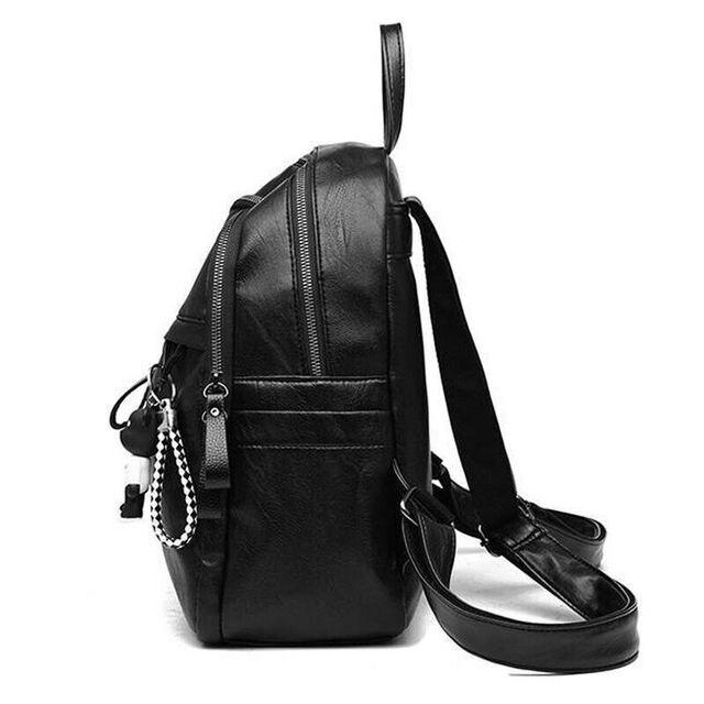 حقيبة ظهر نسائية من الجلد الصناعي على الموضة حقائب ظهر سوداء للسيدات أكياس بسحاب حقيبة ظهر صلبة للطلاب للبنات مع قلادة تحمل على شكل دب 5