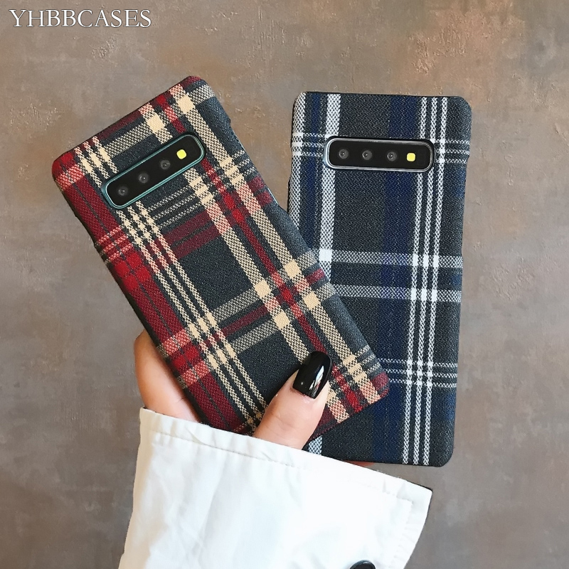 H94e9ab6de068433b88acdb42f202b609h YHBBCASES Retro England Tweed Plaid Fabric Hard Cases For Samsung Note 10 Plus Note 8 9 Grid Cloth Texture Phone Cover For Samsung Galaxy S10 S8 S9 Plus Winter Warm Checkered Couples Phone Case