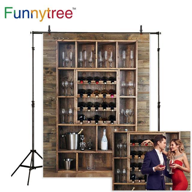 Funnytree خلفيات للتصوير الفوتوغرافي رفوف زجاجات نبيذ نظارات جدار خشبي الكحول قبو بار المشروبات خلفية fotografia