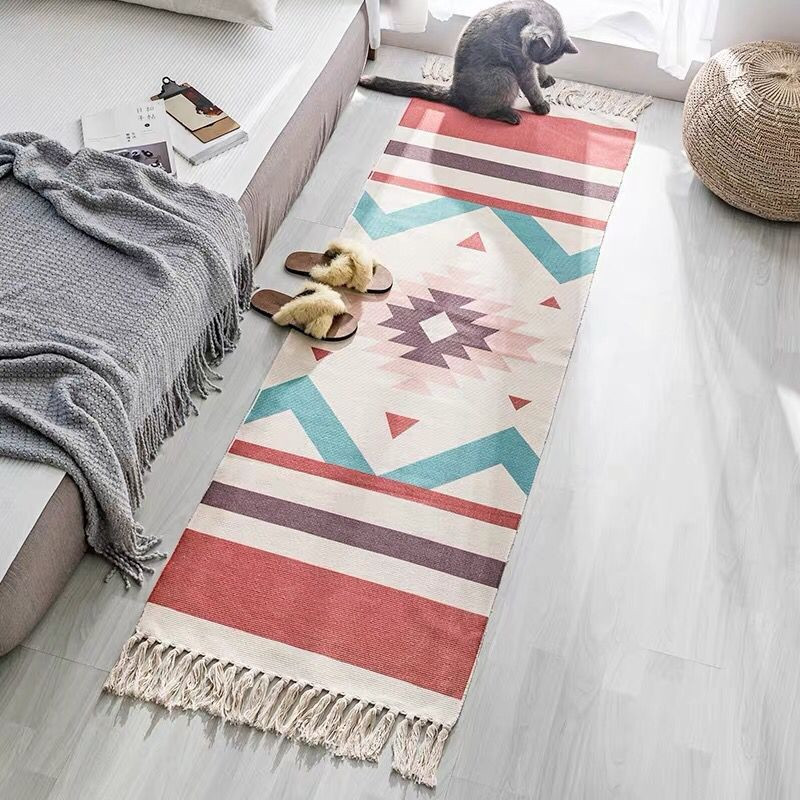 Hot Retro Bohemian Hand Woven Cotton Linen Carpet Tassel Bedside Rug Geometric Floor Mat Long Carpet Rugs Living Room Home Decor