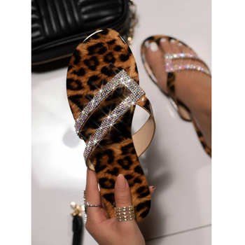 Casual Summer Flat Shoes Women Leopard Print Sandals Glitter Rhinestone Slippers Lady Flip Flops Bling Crystal Slides Shoes D30 jianbudan sandals for women s flat flip flops comfortable beach shoes fashion rhinestone crystal sandals summer flat women shoes