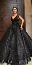 Black Ball Gown Princess Gothic Wedding Dresses With Straps Sweetheart Pearls Lace Floor Length Non White Bridal Gowns Custom