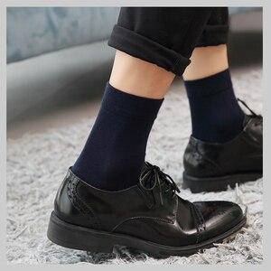 Image 2 - 10 par/partia wysokiej jakości męskie bawełniane skarpetki czarne biznesowe męskie skarpetki oddychająca jesienno zimowa dla mężczyzn Solid Color 2020 New Hot