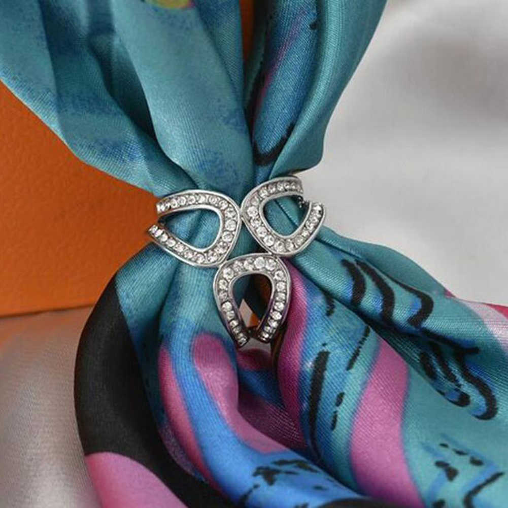 3-anello di Strass Intarsiato Scialle Sciarpa Fibbia Spilla Spille di Seta Clip di Accessori di Arredamento in stile etnico fiori hostess Dei Monili 2019