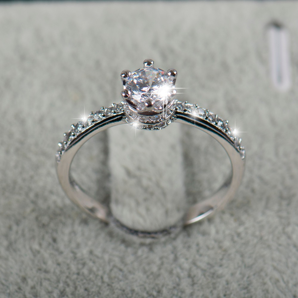 2018 NEW design Fashion Jewelry Luxury Women Engagement ring 925 sterling Silver 5A Zircon Wedding crown Rings(China)