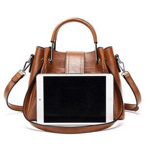Image 4 - 2019 Women Messenger Bag Vintage Shoulder Bag Women Handbags Designer Hight Quality Oil Wax Leather Tote Bags Ladies HandBag Sac